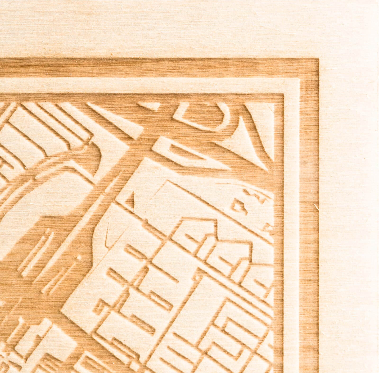 De persoonlijke plattegrond $place wordt hier gemaakt door het wegennet van $place in hout te graveren. Door middel van een laser wordt de houtgravure op maat gemaakt.
