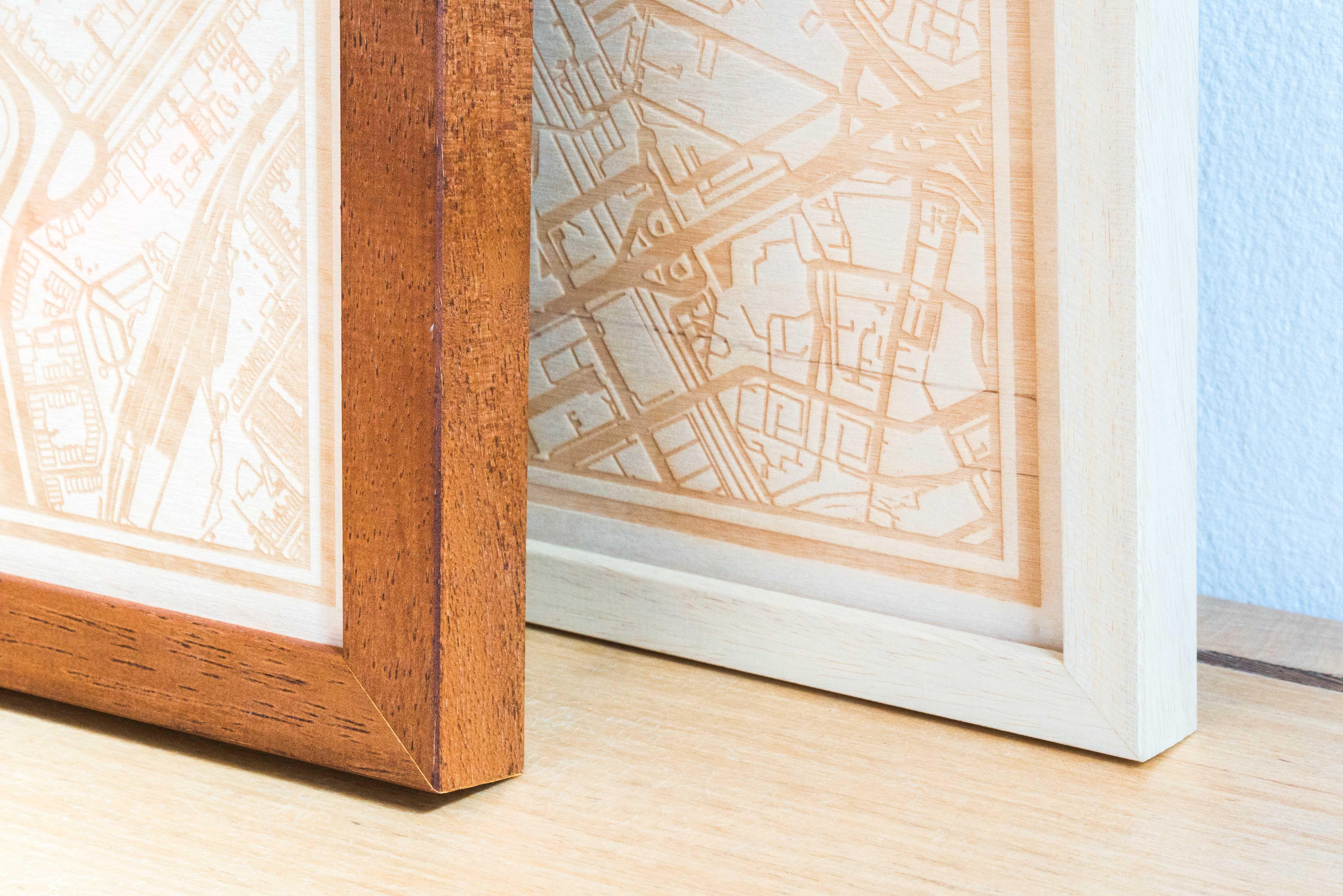Twee mogelijke houten wissellijst kleuren voor om de plattegrond $place.
