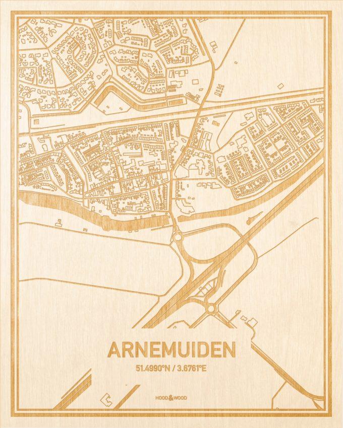 Het wegennet van de plattegrond Arnemuiden gegraveerd in hout. Het resultaat is een prachtige houten kaart van een van de charmantse plekken uit Zeeland voor aan je muur als decoratie.