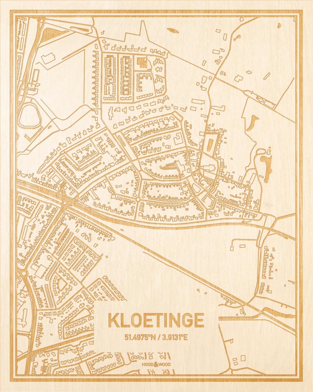 Het wegennet van de plattegrond Kloetinge gegraveerd in hout. Het resultaat is een prachtige houten kaart van een van de charmantse plekken uit Zeeland voor aan je muur als decoratie.