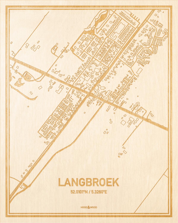 Het wegennet van de plattegrond Langbroek gegraveerd in hout. Het resultaat is een prachtige houten kaart van een van de leukste plekken uit Utrecht voor aan je muur als decoratie.
