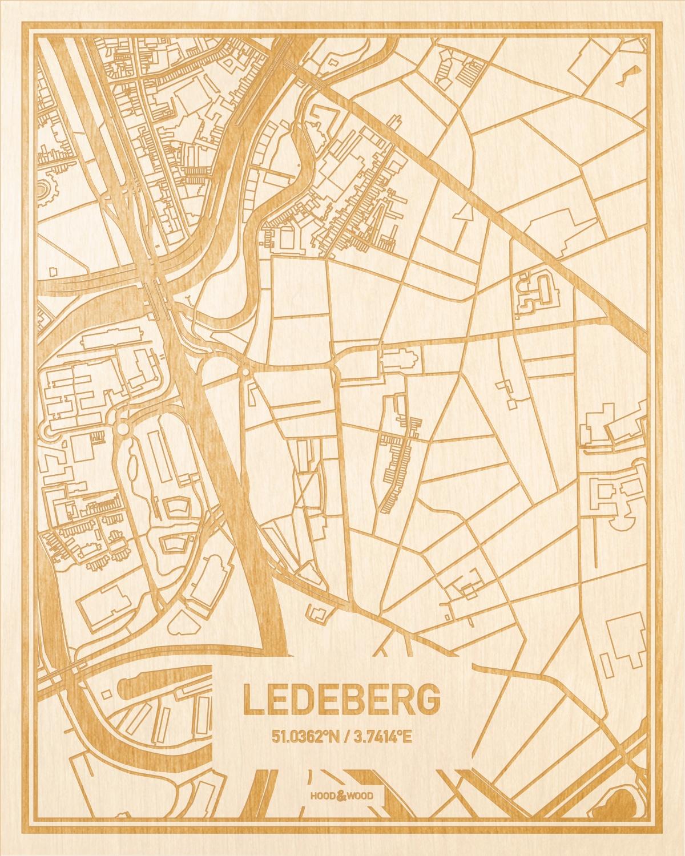 Het wegennet van de plattegrond Ledeberg gegraveerd in hout. Het resultaat is een prachtige houten kaart van een van de beste plekken uit Oost-Vlaanderen  voor aan je muur als decoratie.