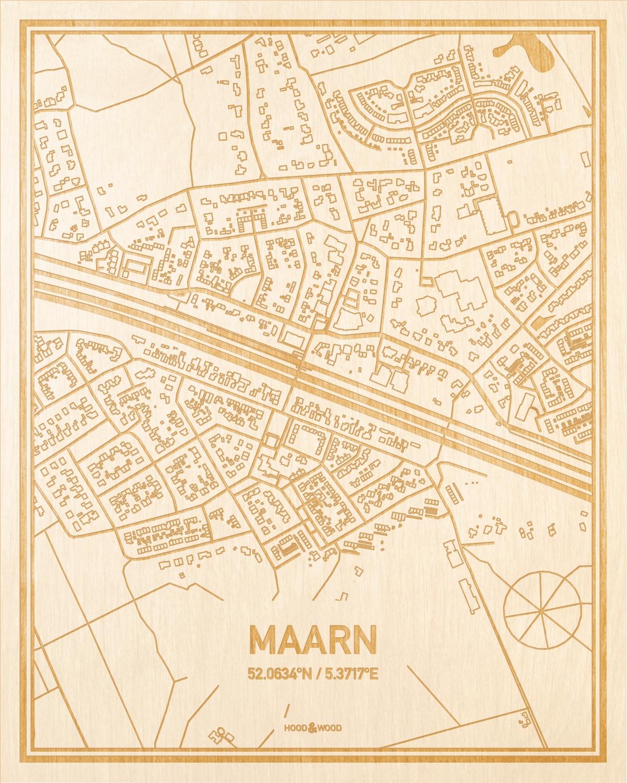 Het wegennet van de plattegrond Maarn gegraveerd in hout. Het resultaat is een prachtige houten kaart van een van de leukste plekken uit Utrecht voor aan je muur als decoratie.