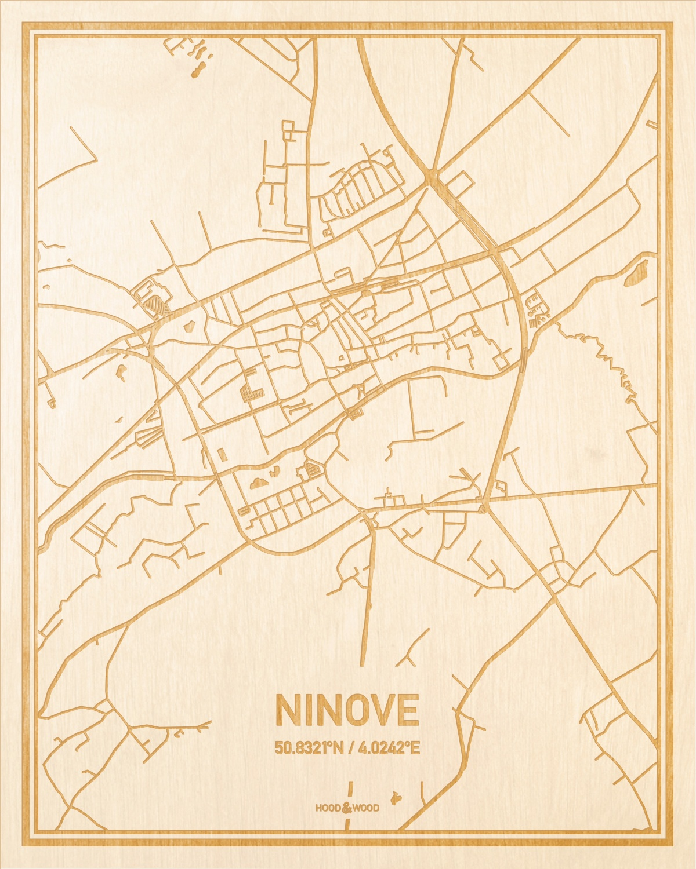 Het wegennet van de plattegrond Ninove gegraveerd in hout. Het resultaat is een prachtige houten kaart van een van de leukste plekken uit Oost-Vlaanderen  voor aan je muur als decoratie.