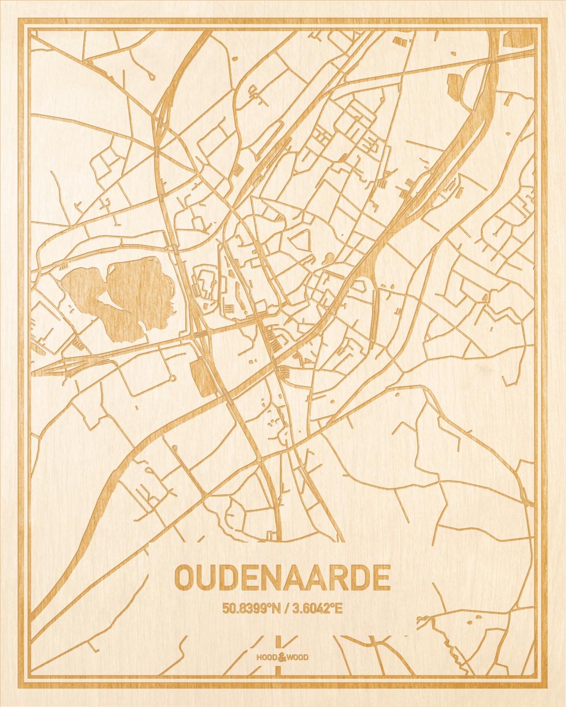 Het wegennet van de plattegrond Oudenaarde gegraveerd in hout. Het resultaat is een prachtige houten kaart van een van de charmantse plekken uit Oost-Vlaanderen  voor aan je muur als decoratie.