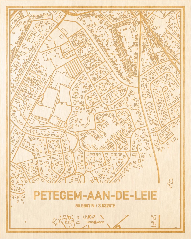 Het wegennet van de plattegrond Petegem-Aan-De-Leie gegraveerd in hout. Het resultaat is een prachtige houten kaart van een van de gezelligste plekken uit Oost-Vlaanderen  voor aan je muur als decoratie.