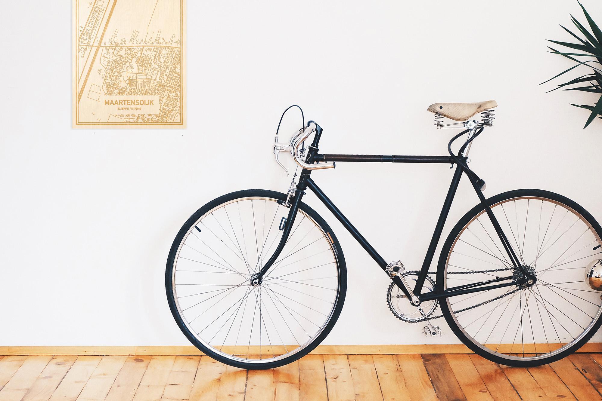 Een snelle fiets in een uniek interieur in Utrecht met mooie decoratie zoals de plattegrond Maartensdijk.