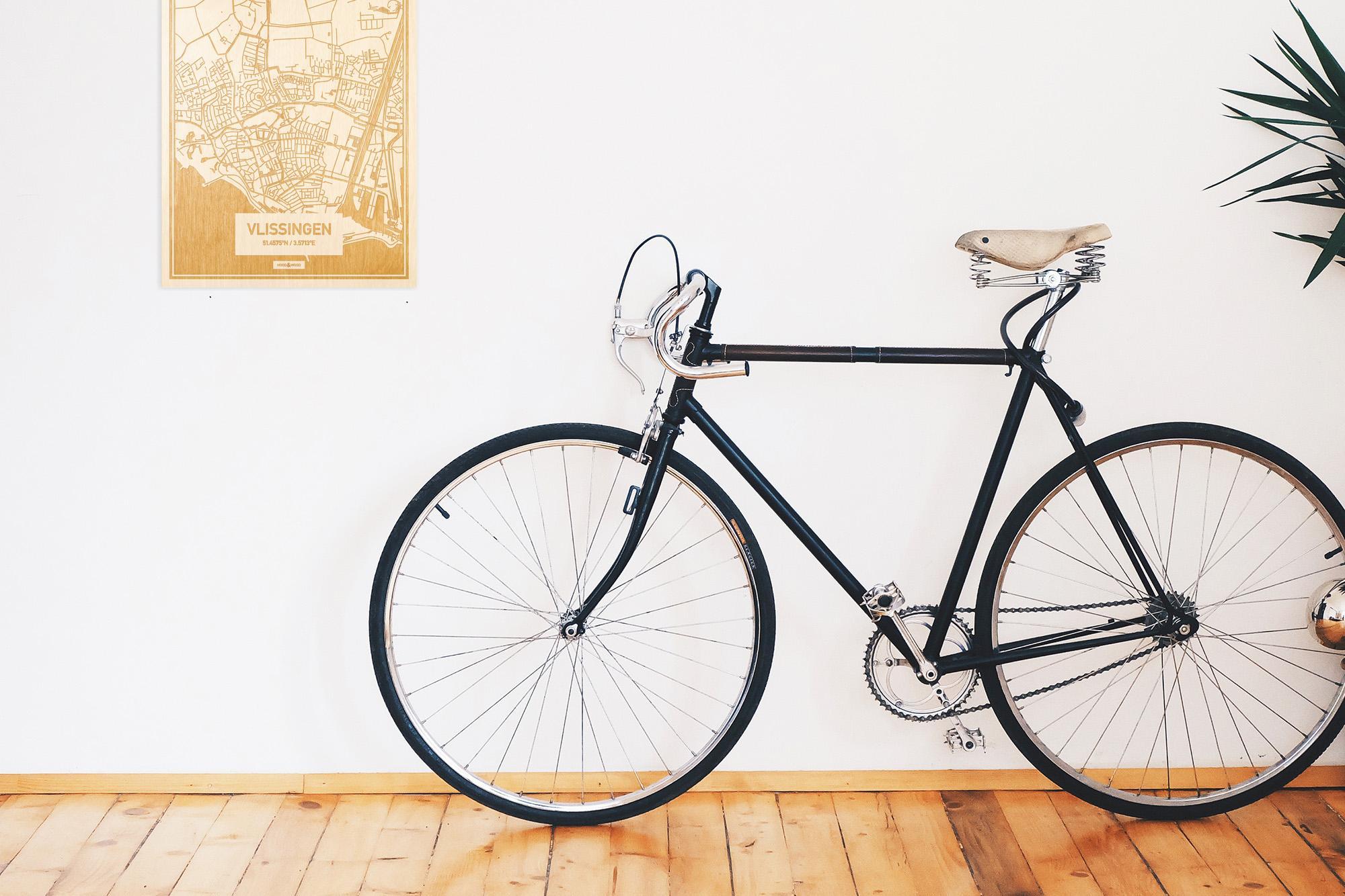 Een snelle fiets in een uniek interieur in Zeeland met mooie decoratie zoals de plattegrond Vlissingen.