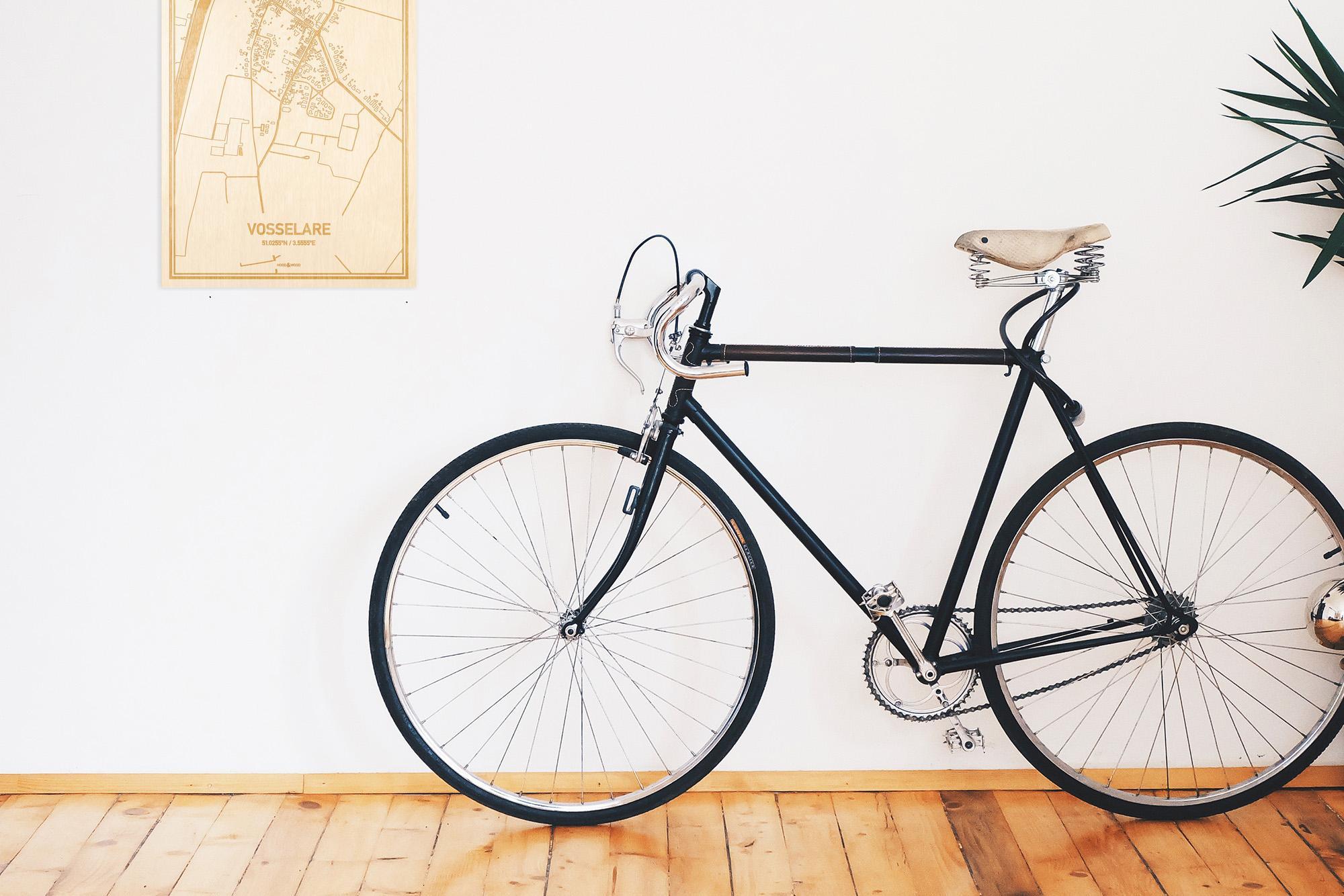 Een snelle fiets in een uniek interieur in Oost-Vlaanderen  met mooie decoratie zoals de plattegrond Vosselare.