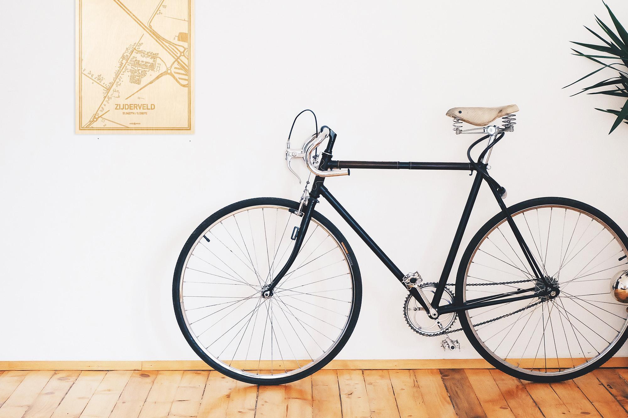 Een snelle fiets in een uniek interieur in Utrecht met mooie decoratie zoals de plattegrond Zijderveld.